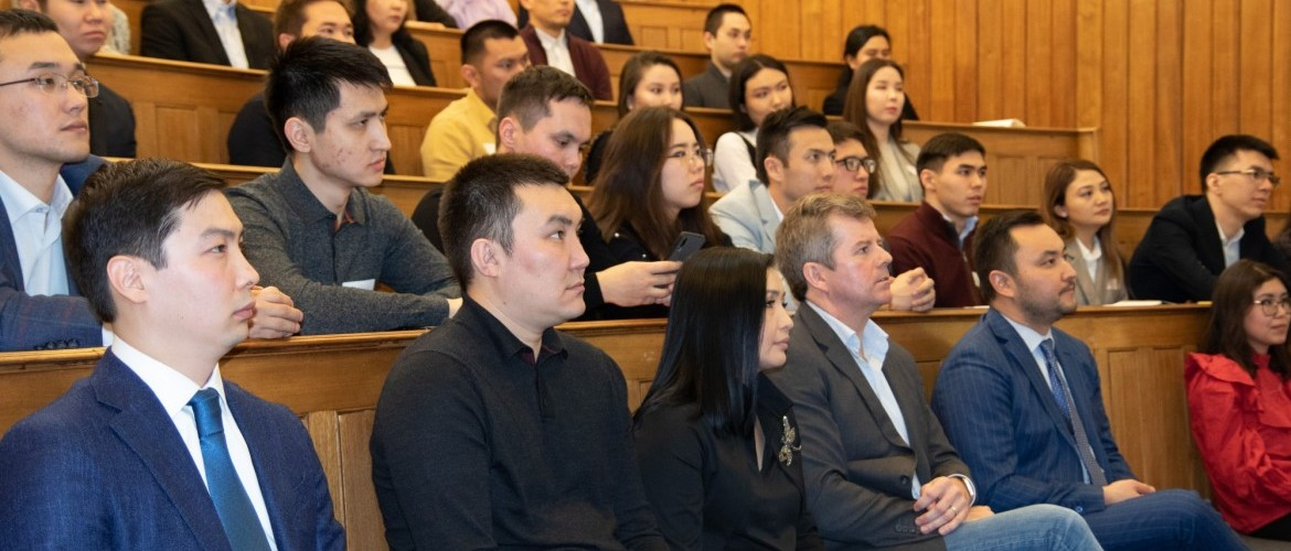 Annual job fair for Kazakh students hosted in London